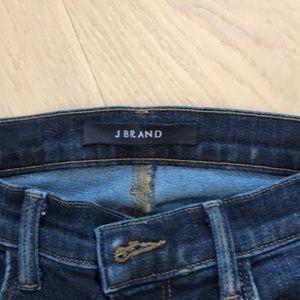J Brand ankle Capri mid-rise Jean in dark blue